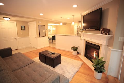 Luxurious 2BR near US Route 1 and Boston.