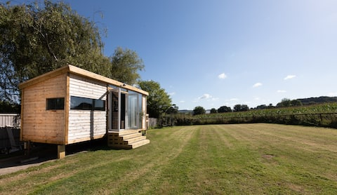 The Paddock - Luxury cabin in private paddock