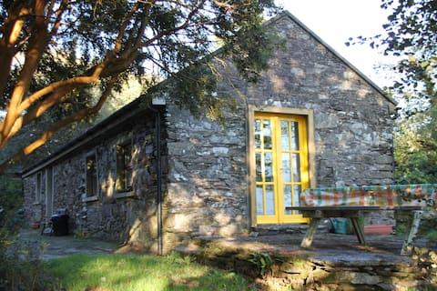 Explore West Cork, cosy cottage near Ballydehob