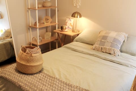 Charming room by the Austin Airport & COTA