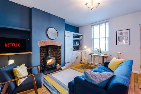 Cosy and Idyllic Fisherman's Cottage in Chester