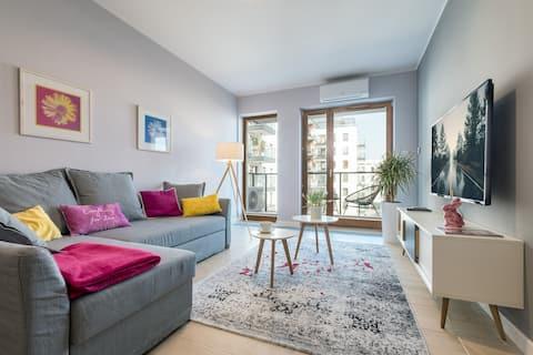 Raya Mansion - lovely 2 bedroom flat near Olinek