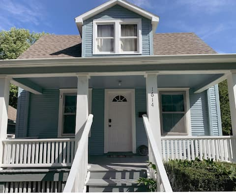Charming Historic Bungalow in Independence
