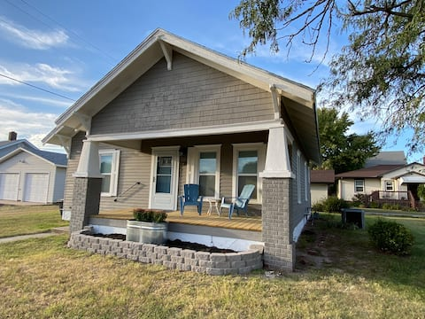 Quiet Small Town Stay  !!NO ADDITIONAL HOST FEES!!