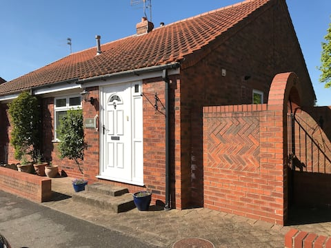 Lovely 2 bed bungalow central in historic Beverley