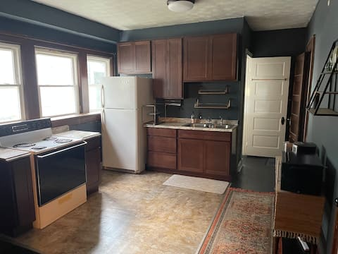 Lovely 1 bedroom UD Downtown MVH Centrally Located