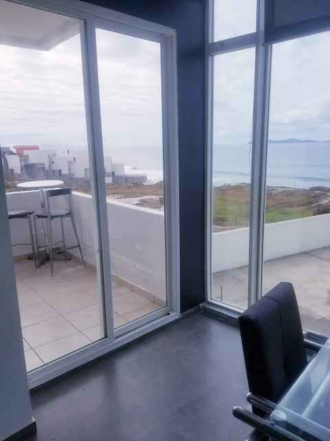 2bed/2bath Ocean Front & View. Gate w/ Security.