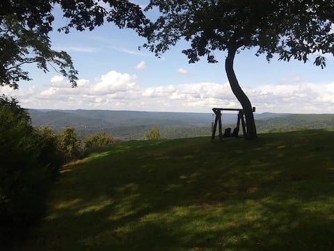 Stunning View atop this Cumberland Plateau retreat