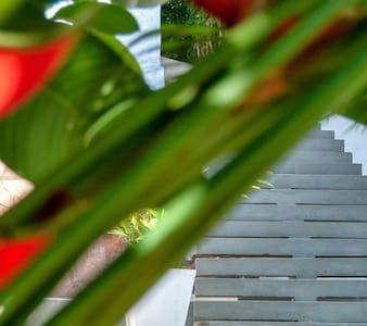 escada ampla de 1.35 cm