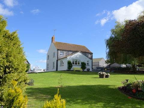 Porth Vaynor Farmhouse and Gardens