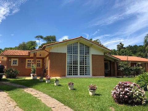 Chácara condomínio fechado (km 50 Castelo Branco)
