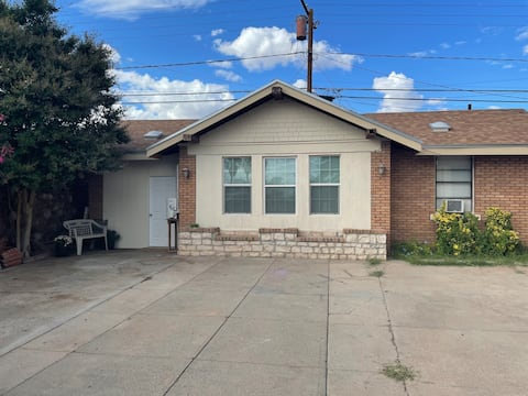 Our Modern 1 Bedroom Apartment in Central El Paso!