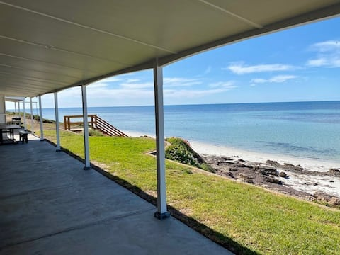 Absolute Beach Frontage Corny Point Beach House