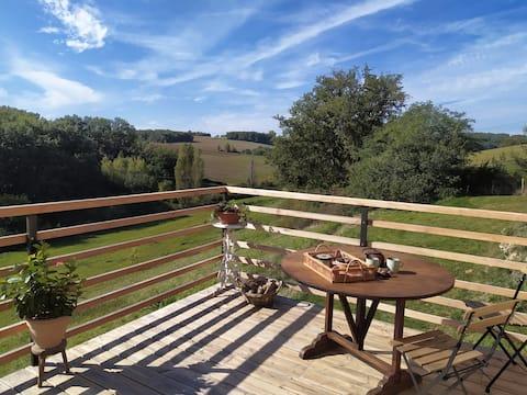 Maisonnette  cosy/terrasse pilotis/vue nature