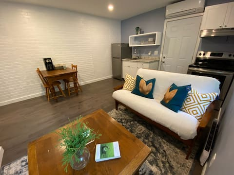 Entire Cozy Apartment In Collingwood