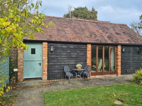 Entire guest house studio - West Sussex