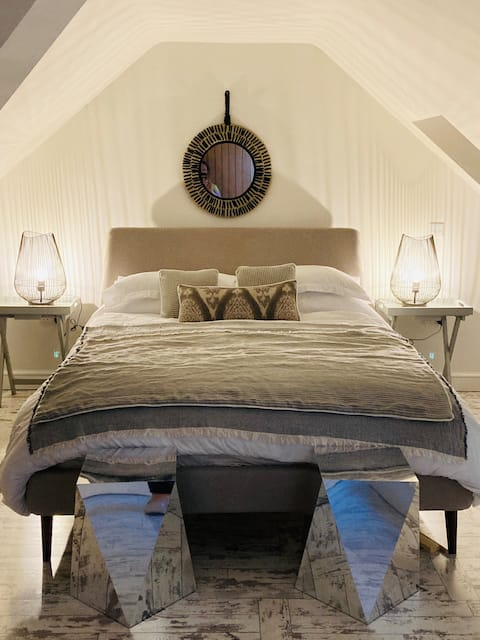 The Hideaway - A chic coach house nr Glastonbury