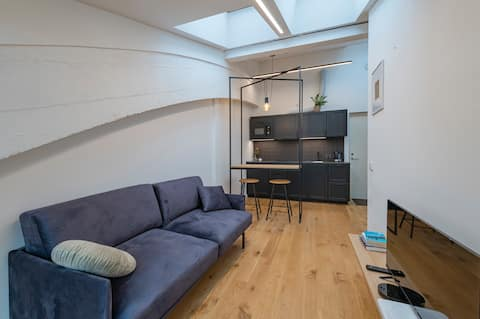 Bright studio apartment with on premise parking