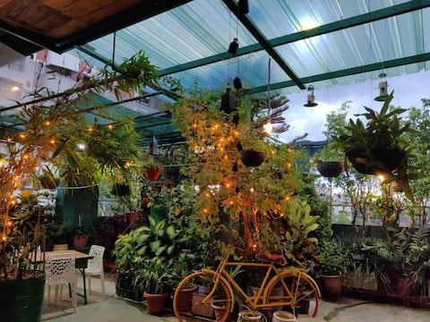 THE NOOK Rooftop Condo and Garden