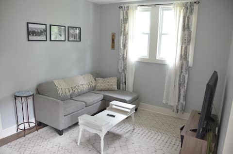 Newly updated 1-BR, walking distance from stadium