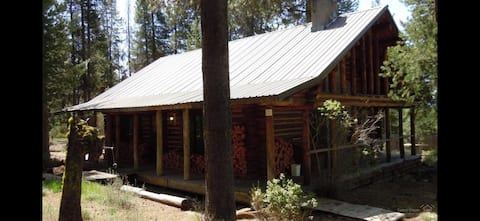 Rustic  Log Cabin by Crescent Lake