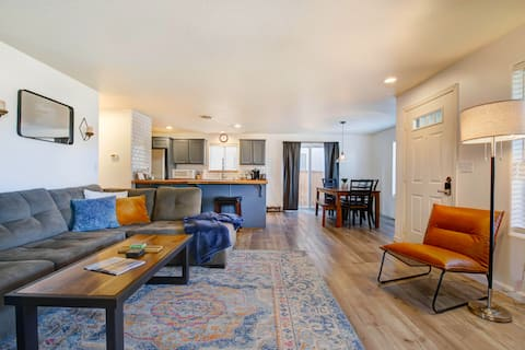 Spacious Downtown Sisters Oasis - Dog Friendly