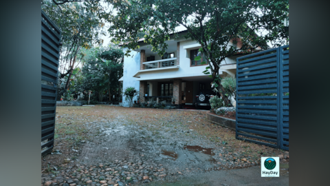 Independent villa with 3 bedrooms & all amenities