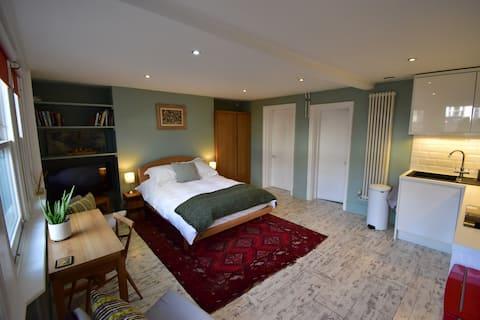 1-bedroom studio in Tunbridge Wells