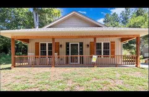 Cozy 3BR home minutes from Clemson