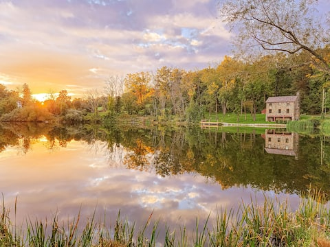 The Gatehouse at Dreamwood Farm: Luxe Farm Stay.