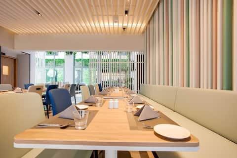 Super Luxury Jumeirah International Chain Hotel