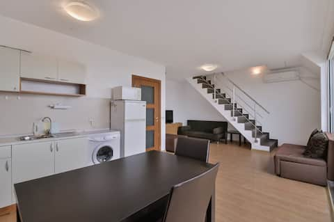 One-Bedroom Maisonette with Spacious Terrace