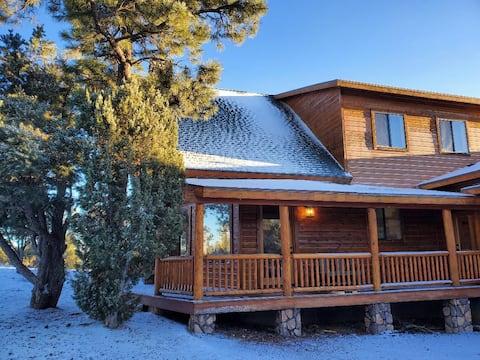 Gorgeous Family Mountain Cabin Getaway