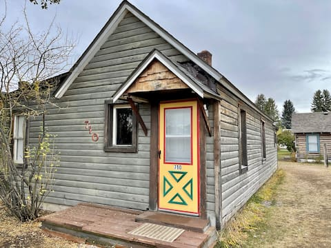 """""""The Alpaca Cabin"""" -Entire Cabin in Dillon"""