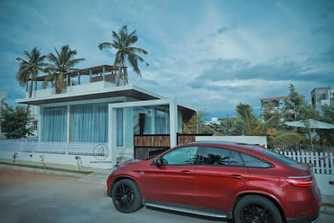 Ultra luxury farm house in Nandi Hill;resort class