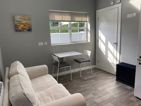 Modern 1 Bedroom Guest House in Ennis Co.Clare