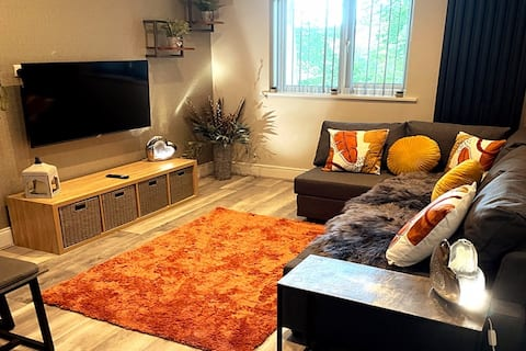 NEW** Countryside Apartment nr. Train station