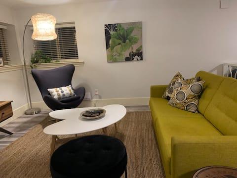 FORT LANGLEY - modern clean 1-bedroom  home