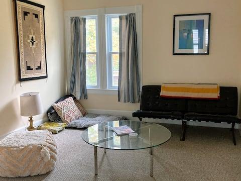 Lovely light-filled 2 bedroom flat