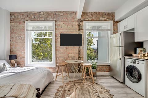 Stylish Studio Getaway in the Historic SLC Avenues