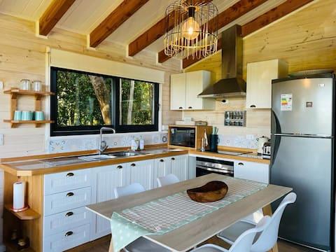Cozy luxury cabin / Acogedora cabaña en P. Varas