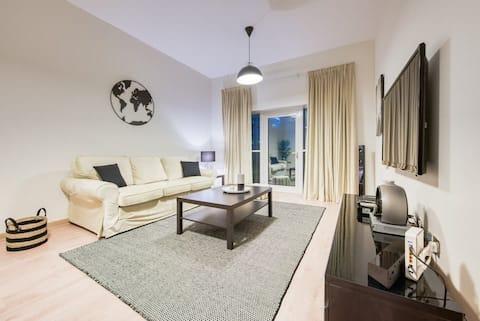 Super Dubai marina apartment!
