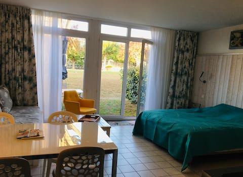Grand studio avec terrasse / Coeur de Saint-Martin