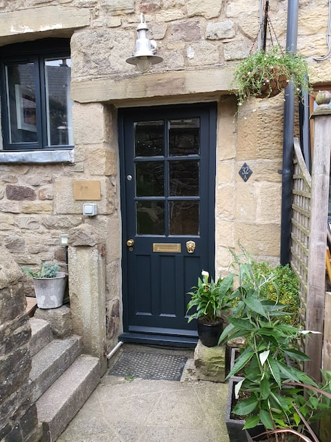 Quaint tiny cottage in the heart of settle.