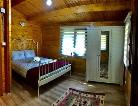 Bahçe içinde 25mve 40m2 verandalı bungalow evler..