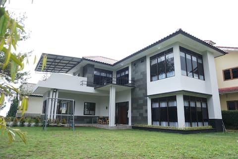 Villa Lotus i01, Puncak - Cipanas