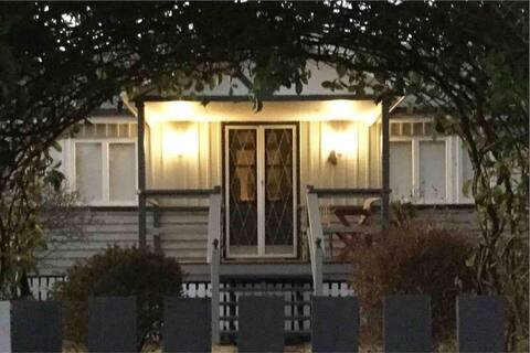 Amiens Cottage. Queenslander, charming, central.