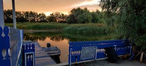 Traditional dream cottage + pontoon and pavilion