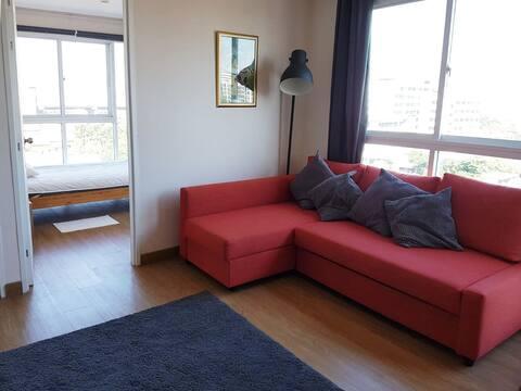 Cozy 2-bedroom condo on the top-floor, corner-unit