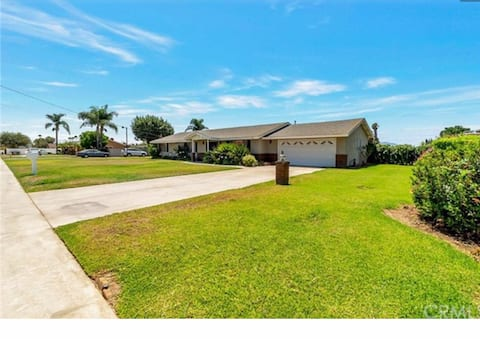 3 bedrooms 2 bathrooms single family house
